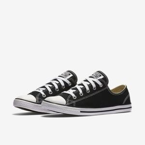 Size 9 Converse Low Top Dainty Shoes Chuck Taylor